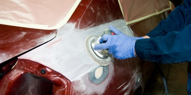 Come eliminare i graffi dalla carrozzeria senza il for Motor vehicle body repair