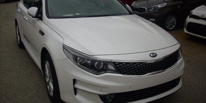 Kia Optima SW Test Drive Front