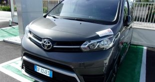 Toyota Proace Test Drive Front